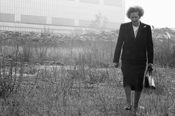 Prime-Minister-Margaret-Thatcher-wilderness-walk-on-Teesside-12th-September-1987 (1)